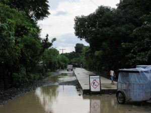 Straßenneubau in Sta. Cruz, Zambales (Michael Reckordt, Juli 2015)